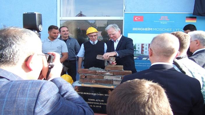 Bergheim ist nicht Köln - Neubau der Türkischen Moschee in Quadrath-Ichendorf