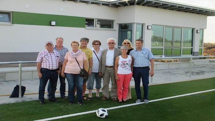Besichtigung der neuen Sportanlage in Rheidt-Hüchelhoven
